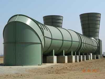 Ventiladores principales de flujo axial en la mina de carbón Kriel en Sudáfrica. (Fotografía cortesía del Dr. Steven Bluhm).