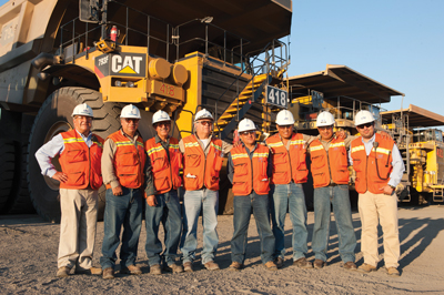 Cerro Negro Norte opera una flota de camiones de transporte Caterpillar para transportar mineral al molino.