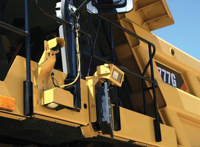"""Las unidades de cámara y radar de Detect de Cat, instaladas al costado de un camión de carga 777G, entregan mejor """"visibilidad"""" al operador."""