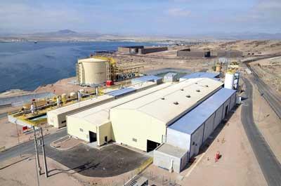 Una planta desalinizadora ubicada al interior de las instalaciones del Puerto Punta Padrones, le ha permitido a la compañía eliminar el consumo de agua fresca.