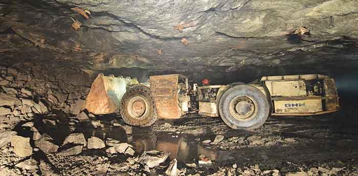 Un LHD SLP5 con carga útil de 5 tm, una de las cuatro máquinas de bajo perfil para la minería de roca dura de GHH Fahrzeuge.