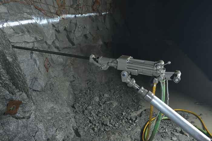 Boart Longyear afirma que su perforadora S250-M3 produce menos ruido y vibración.